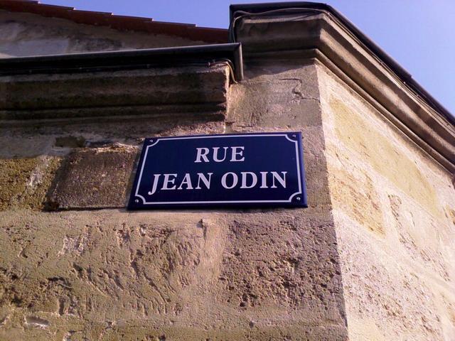 tiens voilà du Odin